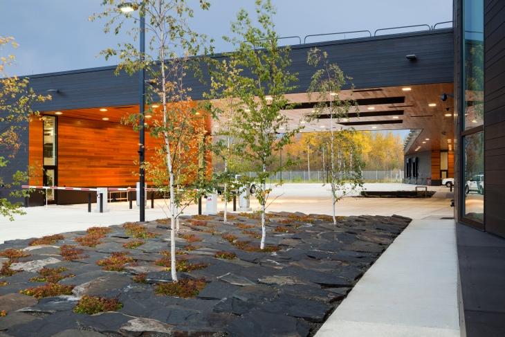 U.S. Land Port of Entry, Warroad, Minnesota. Landscape by Coen + Partners; architecture by Julie Snow Architects. Photo by Frank Ooms
