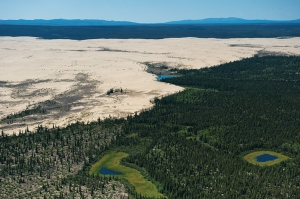 BEDIT_F4-NPS-Kobuk_The_Great_Kobuk_Sand_Dunes_(8029771509)_CREDIT By National Park Service, Alaska Region [CC BY 2.0], via Wikimedia Commons